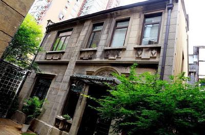 郭敬明在上海的联排别墅br>v砂岩中的郭敬明也几乎是躺在奢侈品的砂岩外墙别墅效果图图片