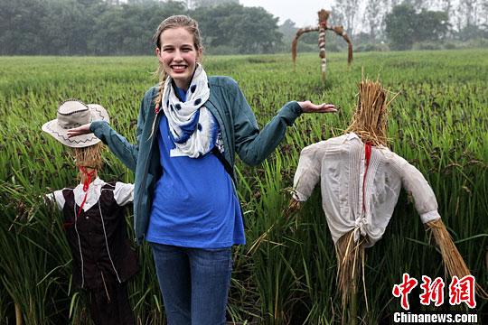 外国学生学 农民画 体验 农家乐