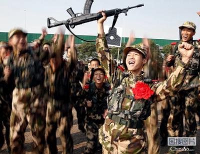 新兵日记:双胞胎兄弟的军营生活-中国搜索图片频道